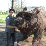 и медведь в Орле не грозный...